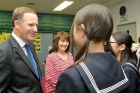 ニュージーランドのジョン・キー首相とブロナー夫人