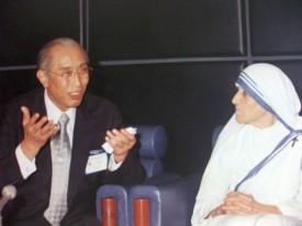庭野日敬とマザーテレサ