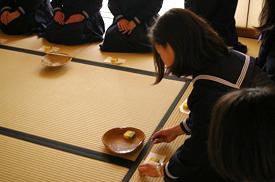 中学 茶道授業