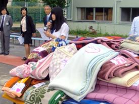 アフリカへ毛布を送る運動