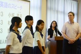 中学3年生と外国人教員によるデモンストレーション