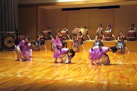 ダンスと太鼓のコラボレーション