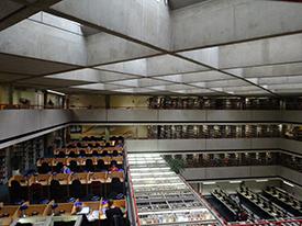 SOAS校図書館
