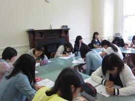 クラス分けテスト(writing)の様子