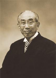 創立者庭野日敬先生