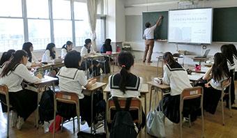 電子黒板を使用した授業風景