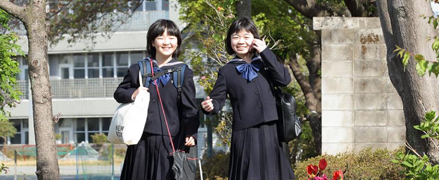 生徒二人が登校。