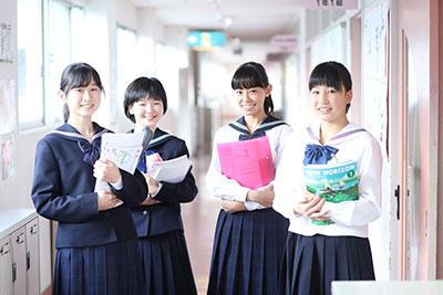 佼成学園女子中学生