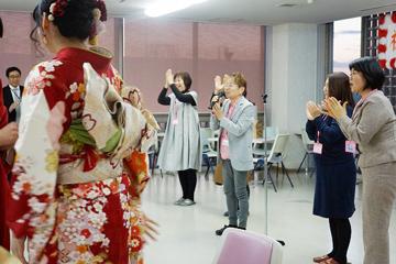 同窓会長の吉川さんから閉会のご挨拶