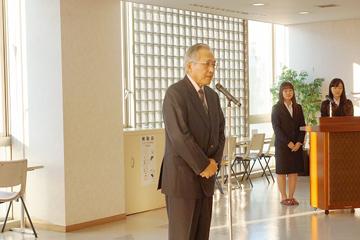 椎名理事長からのお祝いの言葉