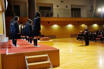 中3・高3を除く14クラスが毎日の練習成果を発揮し、美しい歌声を披露してくれました。